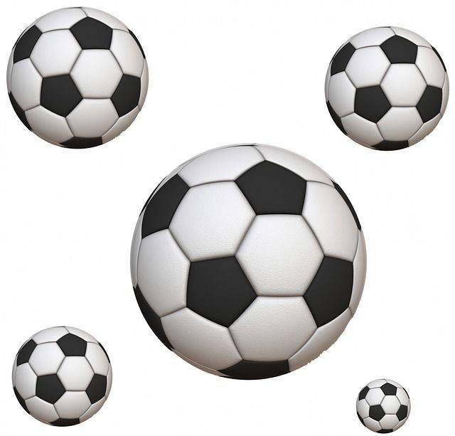 soccer-313439_640
