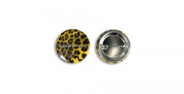 31 mm Button mit Nadel
