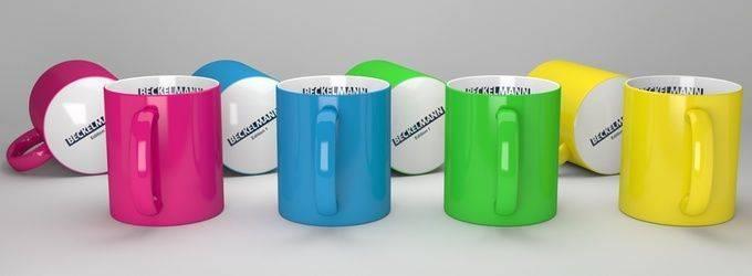 Viele Hydrocolor Becher zum Vorzeigen
