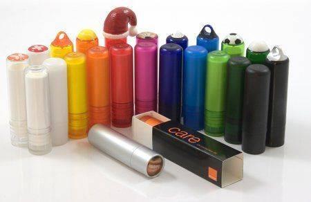 lippenpflegestifte-in-verschiedenen-farben-bedrucken